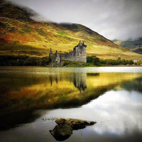 allthingseurope:    Kilchurn Castle, Scotland (by kenny barker)