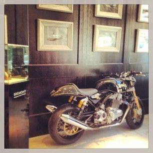 Men will love the interiors of the Bremont Boutique, London #Mayfair #London  www.5ivestarlondon.com