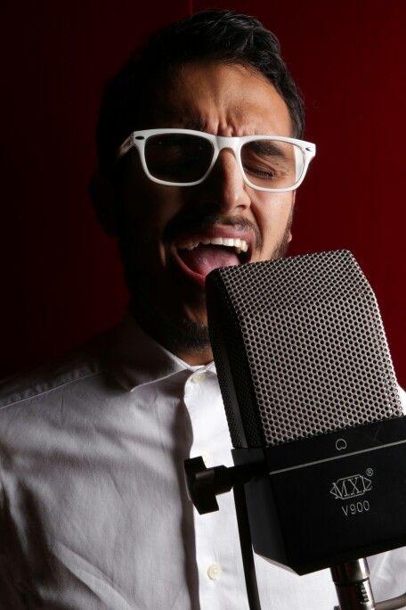 MXL V900 Recording