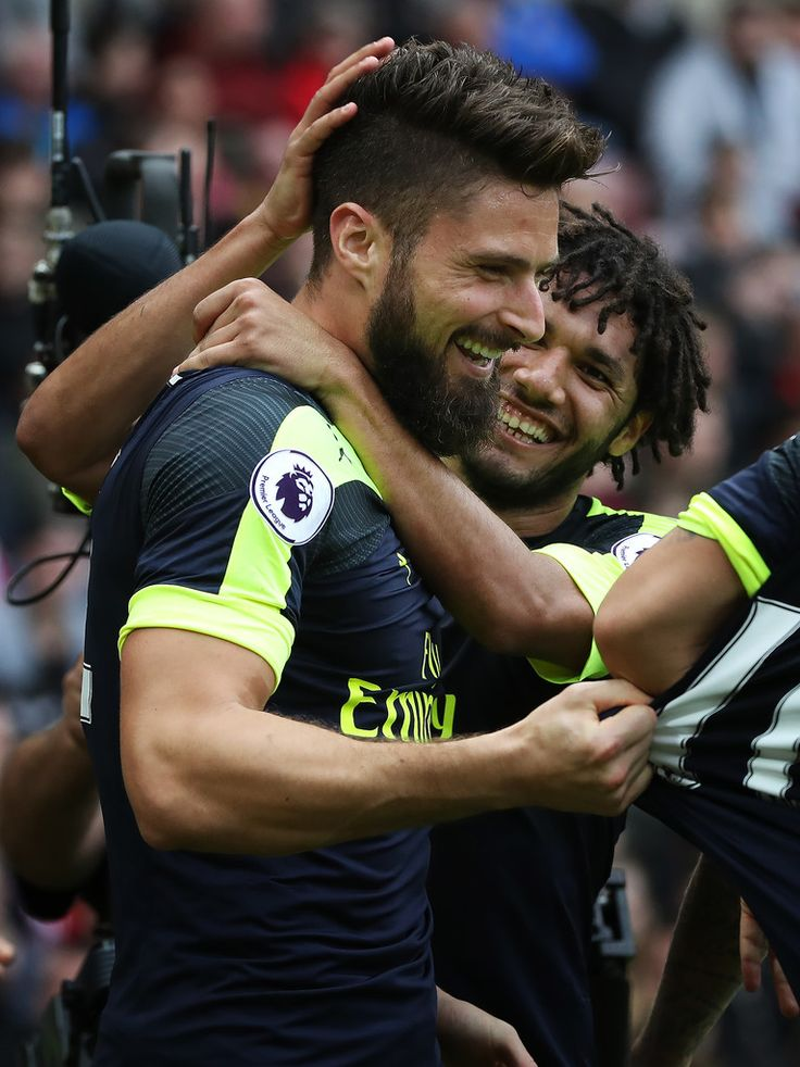OLIVIER GIROUD MOHAMED ELNENY ARSENAL PREMIER LEAGUE HQ