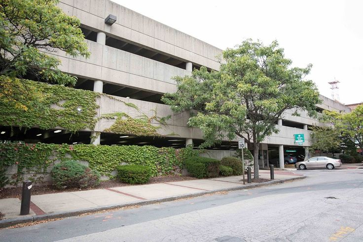 875 Elm Street apartments offer covered parking in our newly refurbished, 270 car garage. Be located across from City Hall and down the street from the Verizon Wireless Arena Manchester NH.