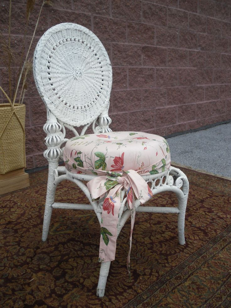 Lovely Antique Victorian Wicker Vanity Chair Heywood