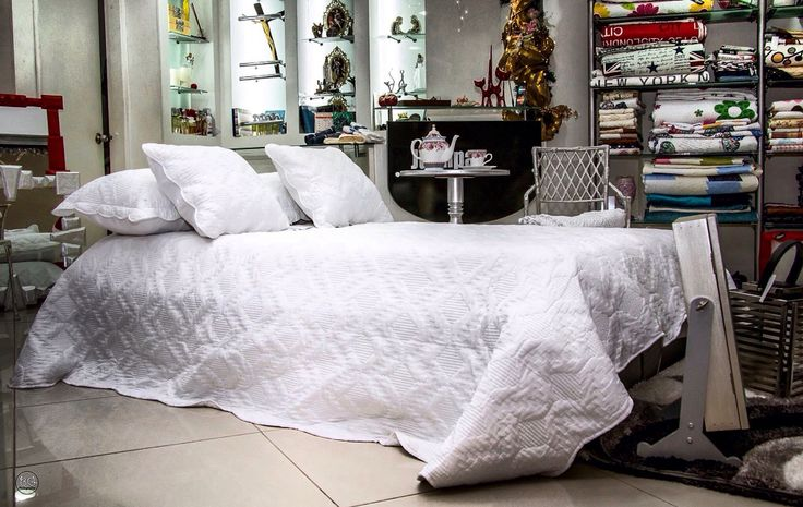 25 melhores ideias sobre medidas cama king no pinterest for Cuanto miden las camas king
