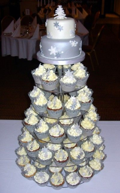 winter wedding cakes cupcakes best 25 winter wedding cupcakes ideas on 27558