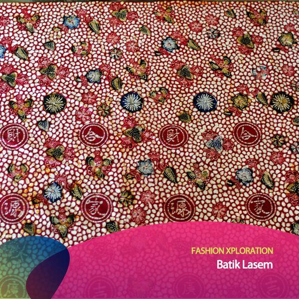 Kalau ini Batik Lasem, termasuk Batik Pesisir juga. Coraknya dominan flora dgn detail motif Tiongkok. Batik Lasem punya bermacam motif; bambu, bunga seruni, bunga teratai, Naga & Burung Pheonix. Jenis batik ini juga disebut Batik Tiga Negeri karena melewati 3x proses pewarnaan. #FashionXploration