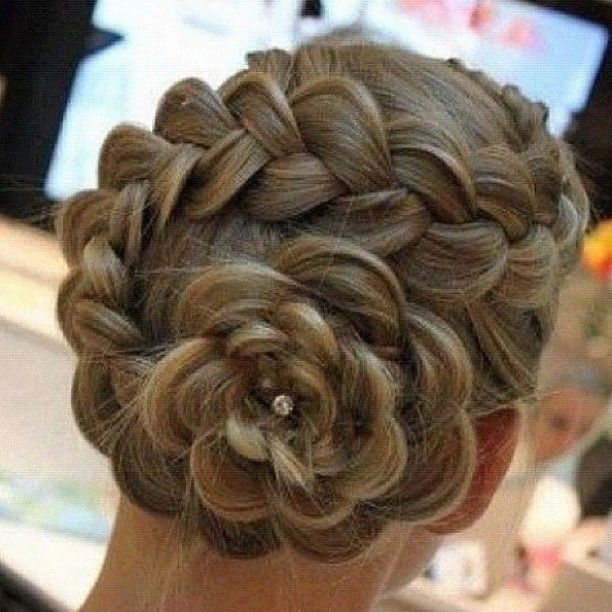 Flower spiralFrench Braids, Hair Flower, Hairstyles, Wedding Hair, Long Hair, Beautiful, Hair Style, Flower Hair, Flower Braids