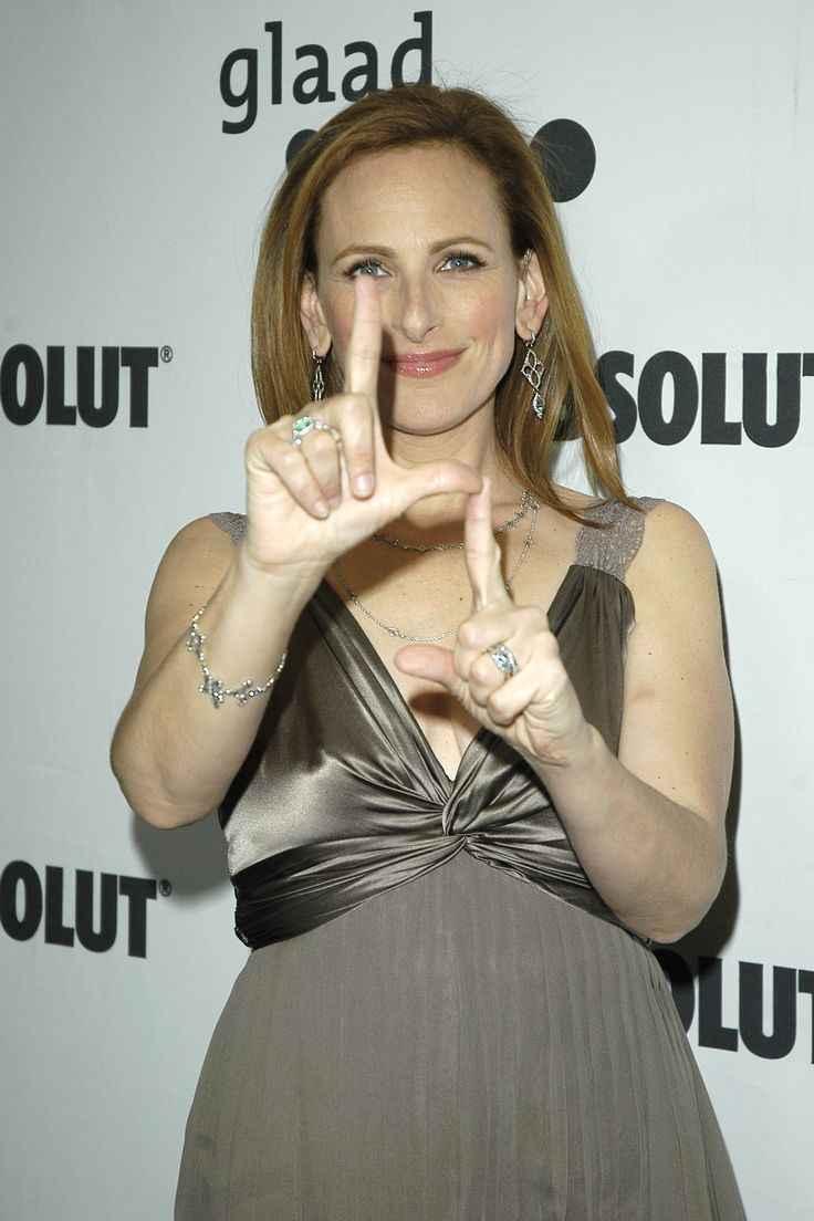 <3  Marlee Matlin deaf or Deaf... that is the question...