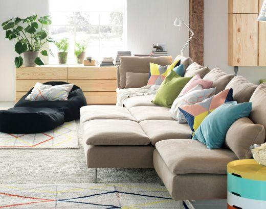 s derhamn sitzelemente mit bezug repl sa in beige zusammengruppiert zus tzlich im raum. Black Bedroom Furniture Sets. Home Design Ideas