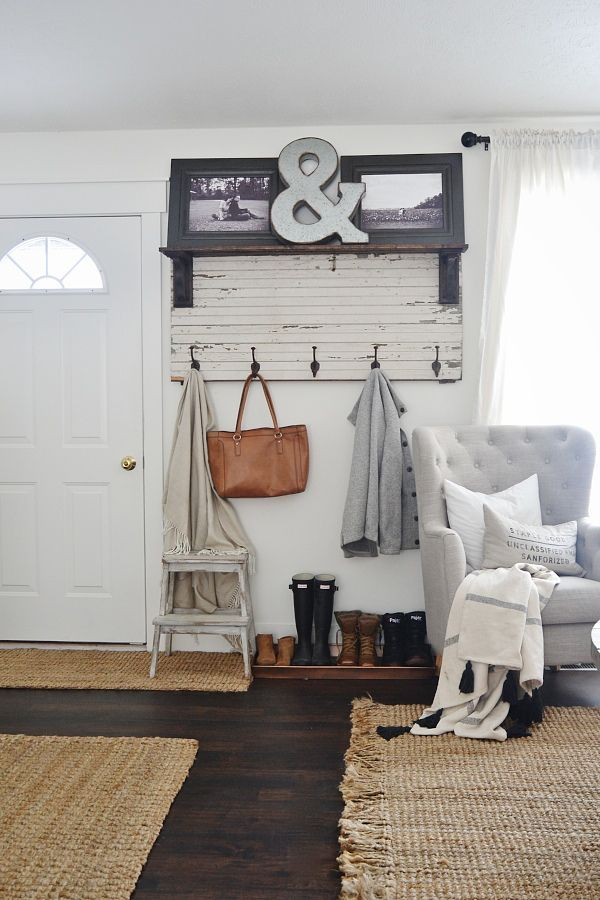 How To Get Your Home Ready For Fall Theeverygirl Love This Small Entryway For
