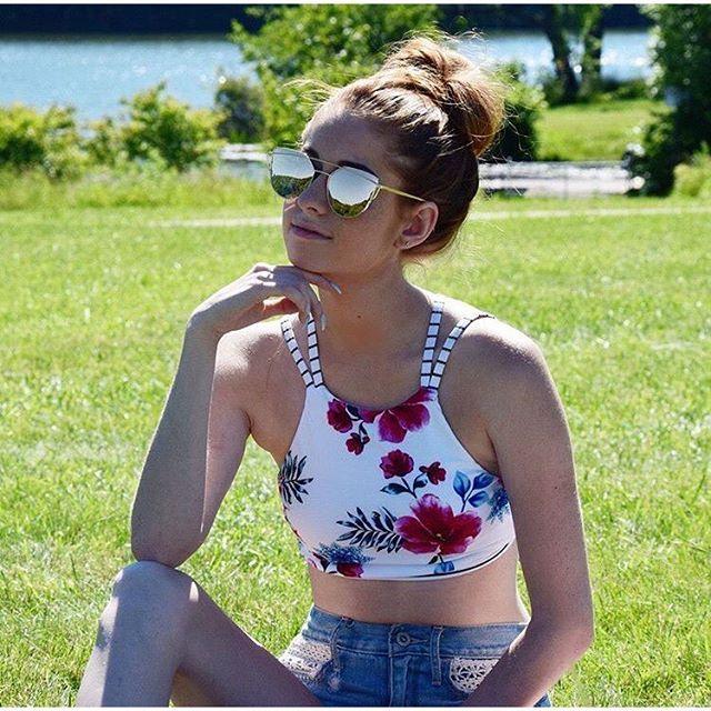 【shananabeach】さんのInstagramをピンしています。 《取り扱い中のハイネックビキニ✨✨ ジーンズとの相性もバッチリ 様々な着こなしが楽しめます❤️   #ブラジリアンビキニ #ビキニ #水着 #海 #ビーチ #南国 #海外 #ハワイ #バリ #グアム #セブ #ダイエット #インポート #プール #買い物 #プチプラ #リゾート #サーフ#夏休み #夏 #旅行 #ワークアウト #シンプル》