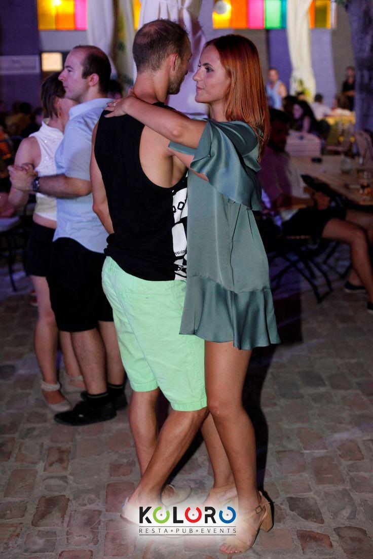Traffic Lights Party #BestKOLOROStyle #winner #dresscode #green #dress #beautiful #bronze