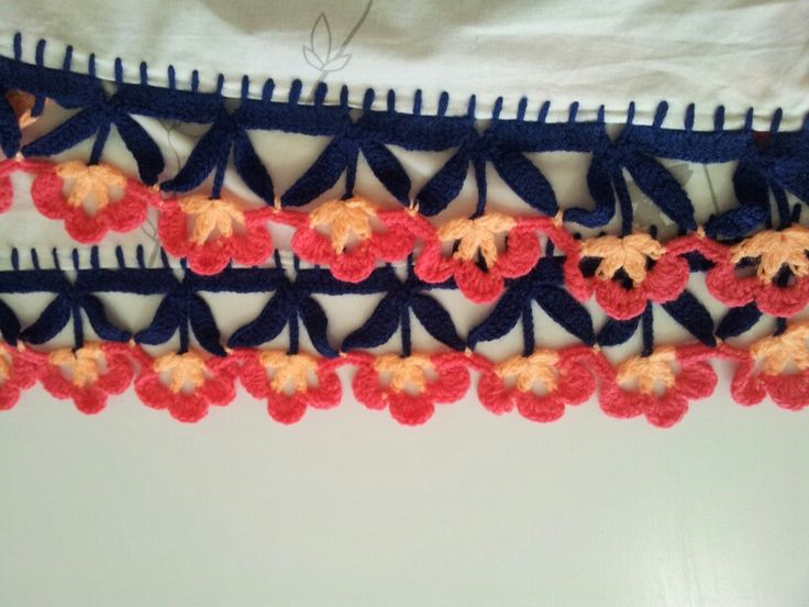 Crochet Edging a Curtain- lyly