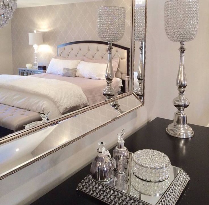 White and silver bedroom decor. Best 25  Glamour bedroom ideas on Pinterest   Living room decor tv