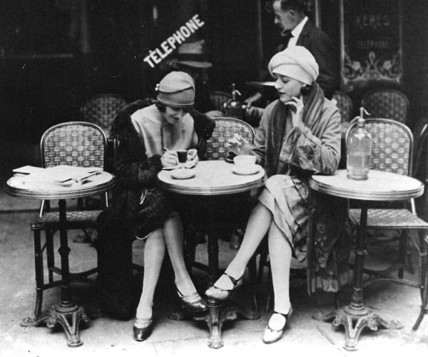 one of my favorite 1920s photographs: 1920S Style, 20S Fashion, Cafe Style, Paris Cafe, Roaring 20S, 1920S Photographers, 1920S Cafe, Cafe Coffee Kaffe