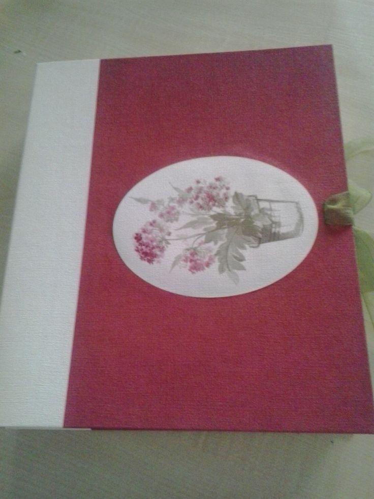 Caja formato libro by Antaño y Hogaño