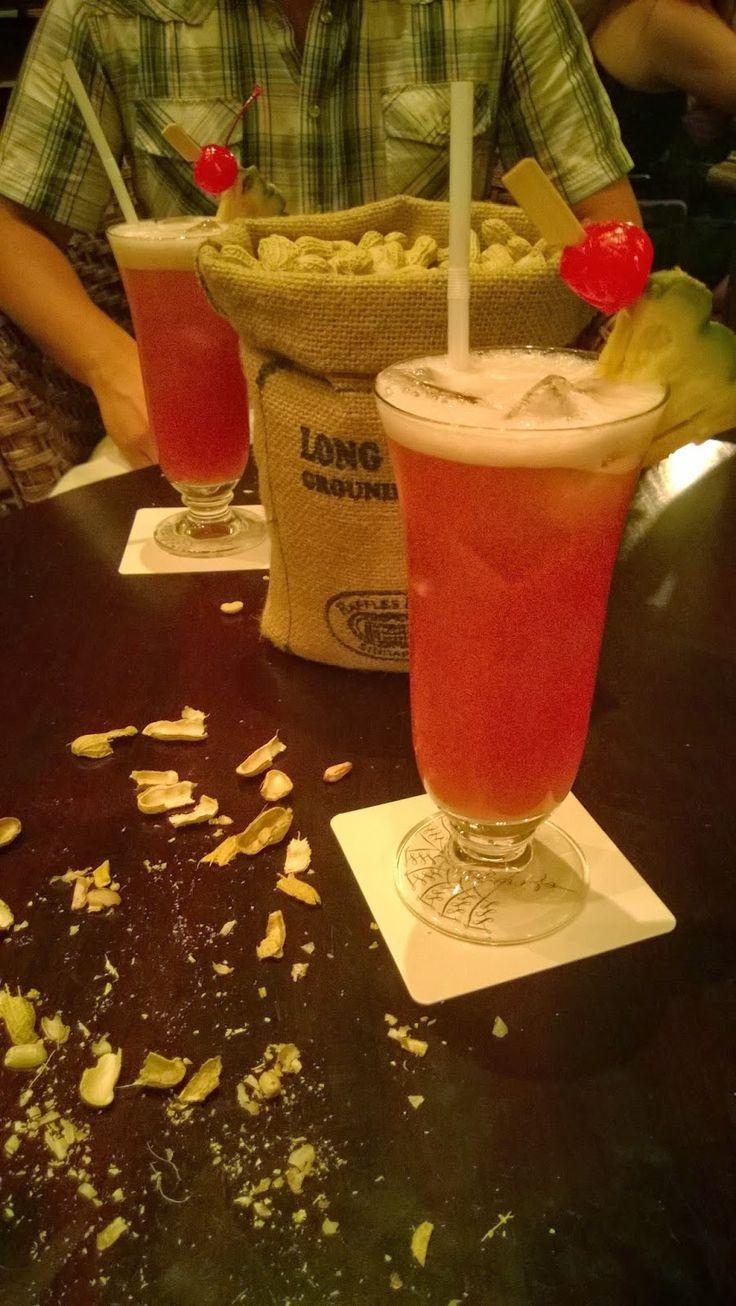 Apen matkat: Singapore, osa 6, Singapore Sling ohjeen kera