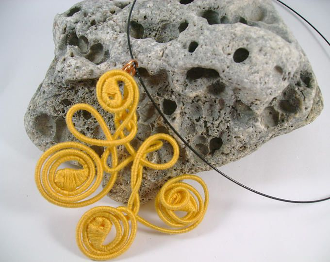 Toscan Sun yarn-wrapped / yellow/ cotton yarns/ thread-wrapped/ handmade/necklace