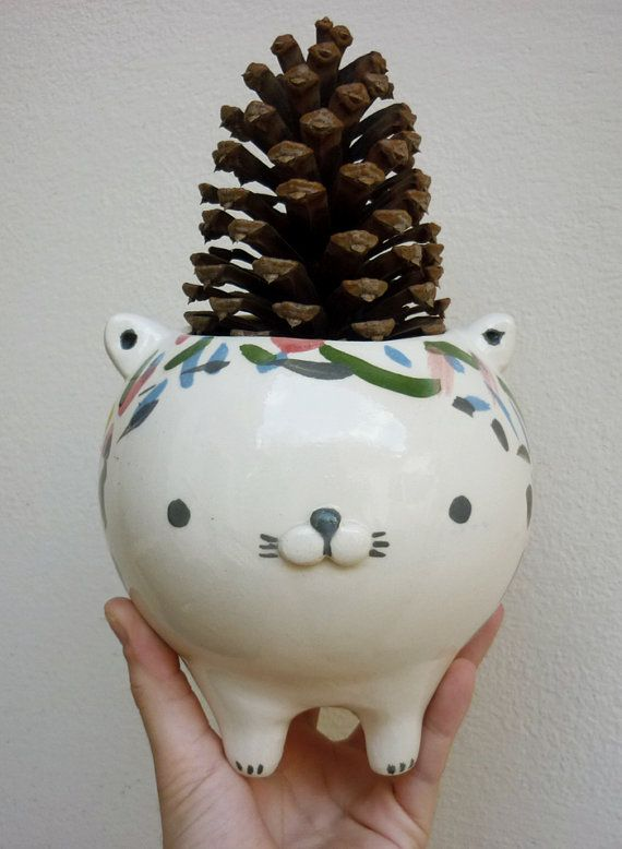 """CAT POT, I think I could find something better than a """"Pinecone"""" to use...but I really Like the Pot..."""