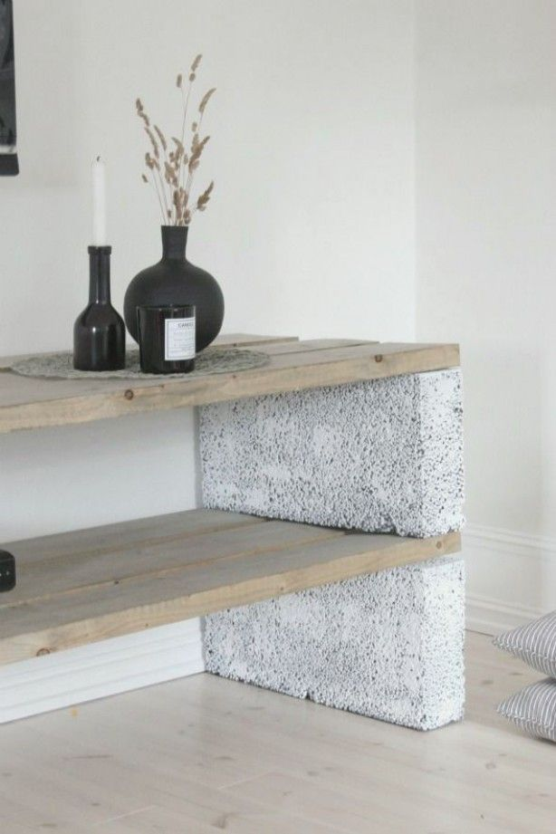 Een paar celbetonblokken en wat stoere planken en kijk, wat een superleuk meubel kun je dan maken. Laat m maken door Stoereplanken.nl
