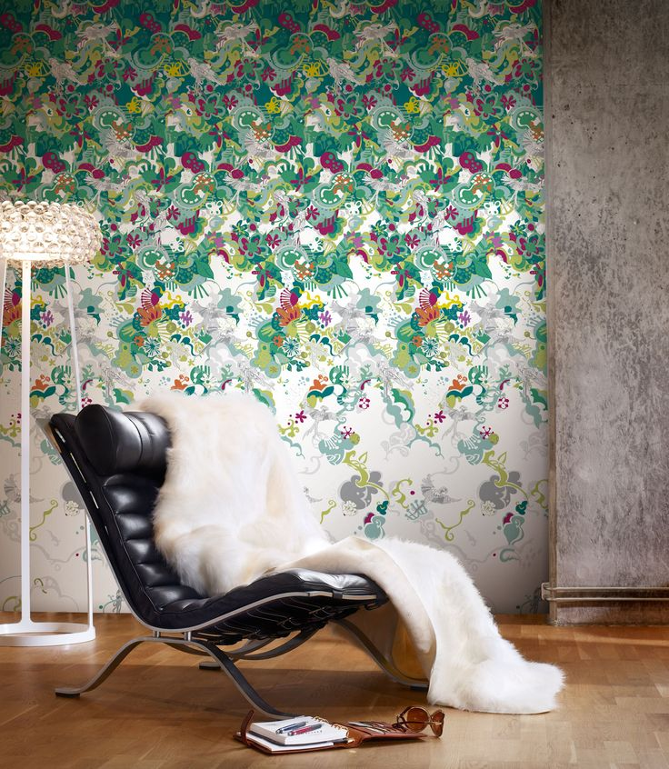 Varför bara en fondvägg?  Tapeten Parrot passar lika bra på alla rummets väggar!