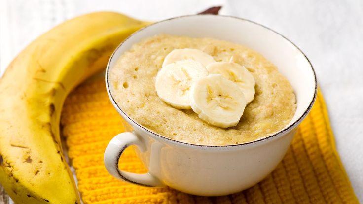 Je zdravý, výživný a mimořádně chutný. Vhodný před sportem i na dietu. Mug cake je teplá snídaně nebo svačina, kterou máte během pěti minut hotovou. Dá se udělat na milion způsobů a postačí vám k tomu pouze tři suroviny. Už jste ho ochutnali?