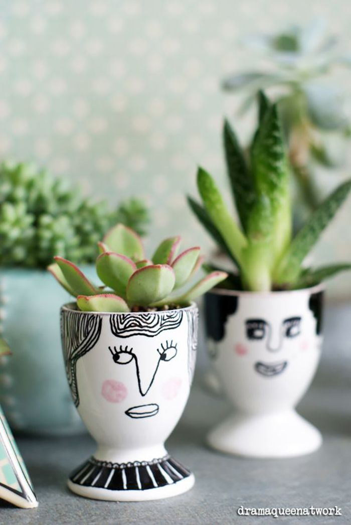 Eierbecher Easter Styling A sweet idea for table decoration: Succulents in egg cups Succulents In Containers, Cacti And Succulents, Succulent Cuttings, Face Planters, Planter Pots, Posca Marker, Sharpie Markers, Sharpies, My Home Design