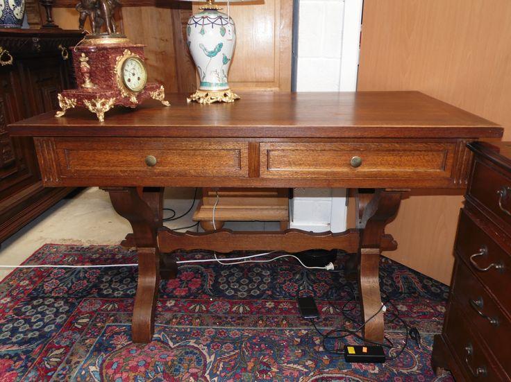 Art Deko  masif meşe çalışma masası.  ÇOK TEMİZ. Ölçüler:75cm x 139cm x 60cm