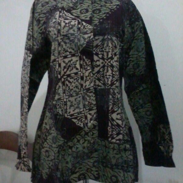 Batik blouse semi formal, size M fit to L. Direct wa 08812775835.