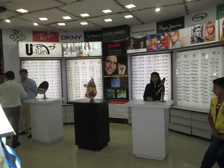 U-Turn - Surat Largest Optical Mall in India set World Record India