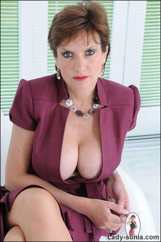 Nice body.....i www british lady sonia com strap