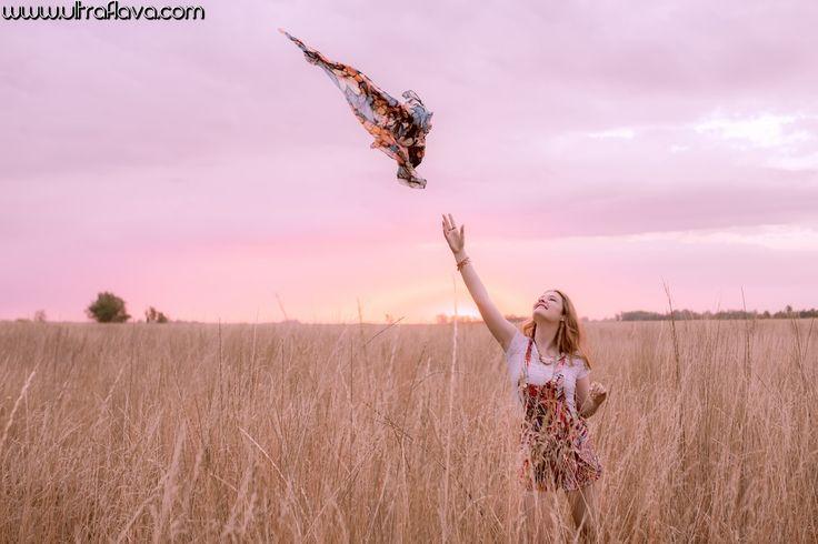 El horario para hacer las fotos del Book de 15 años es algo importante, el amanecer y el atardecer son los momentos ideales por la iluminacion. Vas a notar un mejor resultado si podes realizar la sesion de fotos en estos momentos del dia. www.ultraflava.com