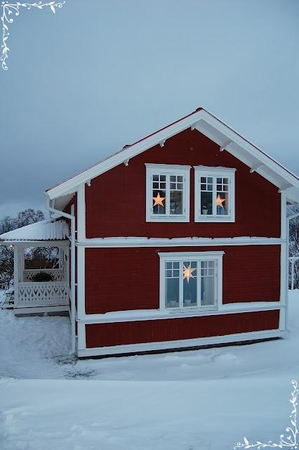 stars in the windows - stars just like my kitchen window - did they steal my idea? ha ha