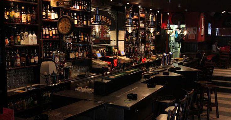 Deze Ierse pub is niet voor mietjes. Een stevige pint en luide muziek, ideaal om even uit te blazen na een zware dag.