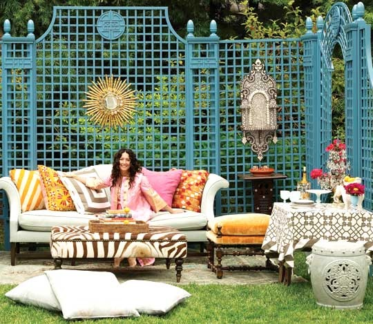 Love the colorful lattice! Hanging decor....etc...: Chic Decor, Living Rooms, Windsor Smith, Chic Home, Outdoor Living, Outdoor Rooms, Bohemian Chic, Trellis, Outdoor Spaces