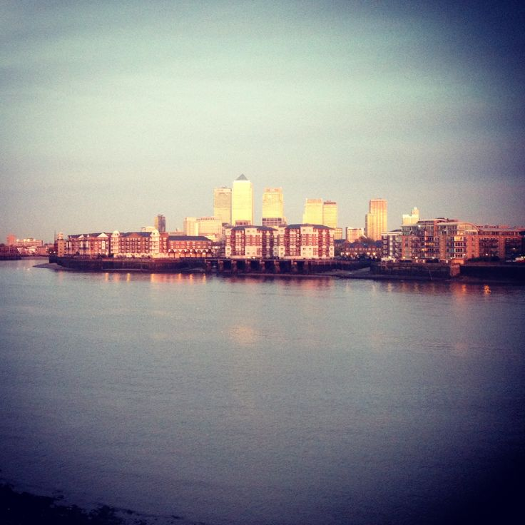 London looks particularly beautiful at dusk this time of year