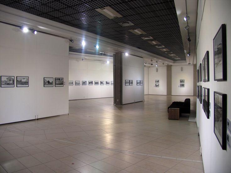 Unisa Art Gallery - Cedric Nunn Exhibition 2015 - Photograph by Lucky Khuzwayo