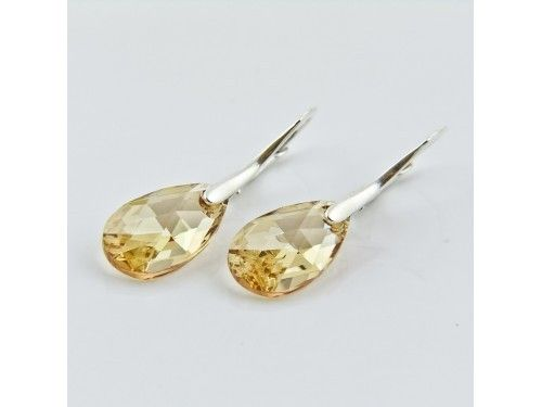 KOLCZYKI SWAROVSKI MIGDAŁY 16MM GOLDEN SHADOW SREBRO 925 - KL2010 Materiał: Srebro 925 + kryształ Swarovski Elements Kolor: Golden Shadow Rozmiar migdału: 1,6cm Wysokość kolczyka: 3,0cm Waga srebra: 1,33g ( 1 para ) Waga kolczyków z kamieniami: 3,20g ( 1para)