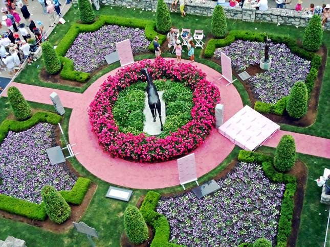 Churchill Downs Gardens Louisville, Kentucky