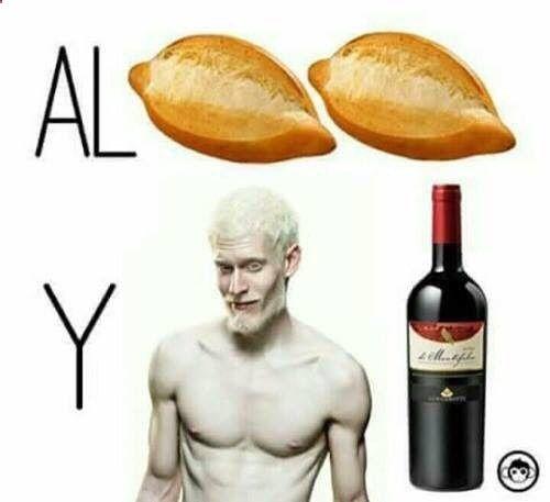 Jajajajajaja #memes #chistes #chistesmalos #imagenesgraciosas #humor www.megamemeces.c... ➛➛ http://www.diverint.com/gifs-animados-celulares-patada-ficticia
