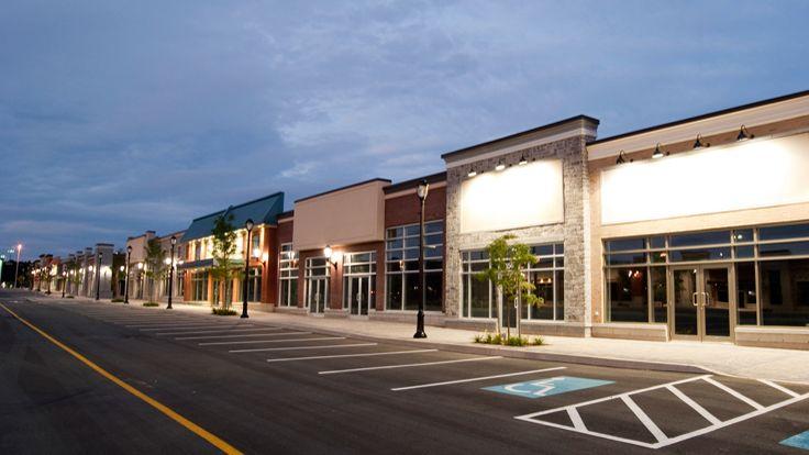 Motoon strip mall