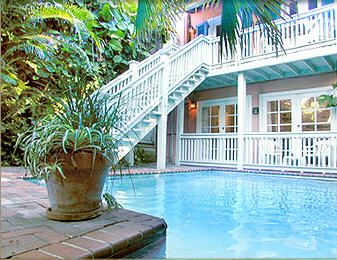 #Pool | Delight in a swim at Simonton Court, Key West, FL #bedandbreakfast #inns