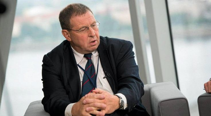 "Last November, Andrei Ilarionov (Putin's aide on economical issues before 2005) warned Western Europeans on a ""Islamist spring"" for 2015. ""Do not be very much surprised if a massive Islamist political movement would appear, an Islamist Spring which would destabilize the European countries, consume and divert the energy and attention of Western leaders, while Putin would attempt to accomplish its neo-imperial project"", Ilarionov said to Michał Rachoń, a Polish journalist with TV Republika."