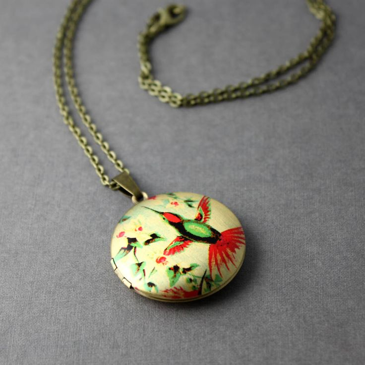 Are you interested in our locket? With our jewellery you need look no further.