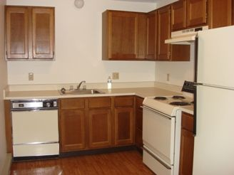 Apartments In Derry! Lots Of Kitchen Cabinet Space! Enjoy An Open Pass Into  The