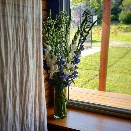 Beach wedding. Blues. Flowers. Reception