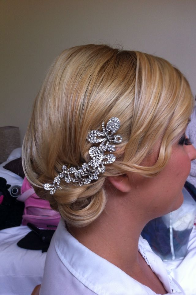 Bridal side upstyle