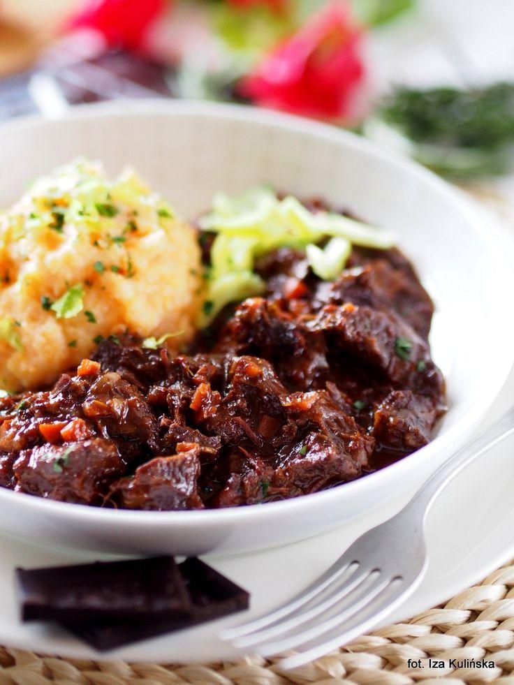 Smaczna Pyza sprawdzone przepisy kulinarne: Policzki wołowe duszone w ciemnym piwie z czekoladą