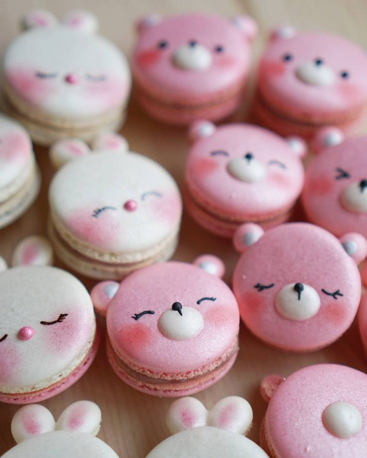 Rabbit & Bear macarons by Melly Eats World (M.E.W.) (@mellyeatsworld)