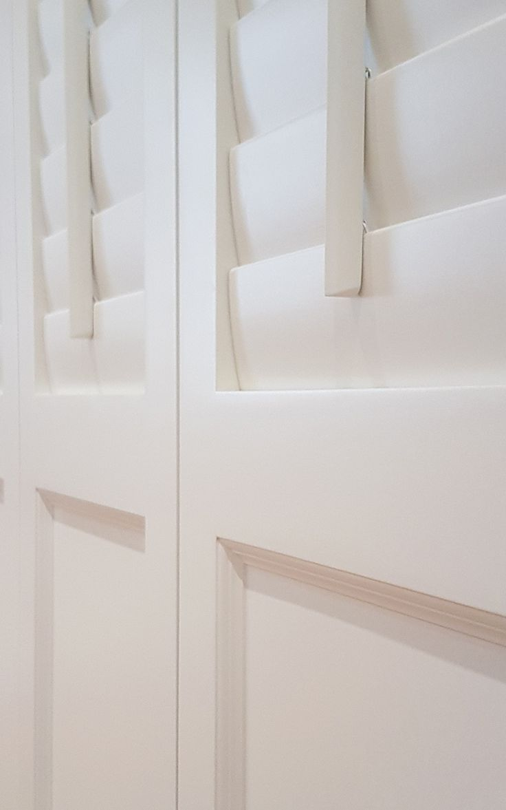 For large glazed areas or doors, combine any TNESC Louvre design with one of our 7 solid panel designs.