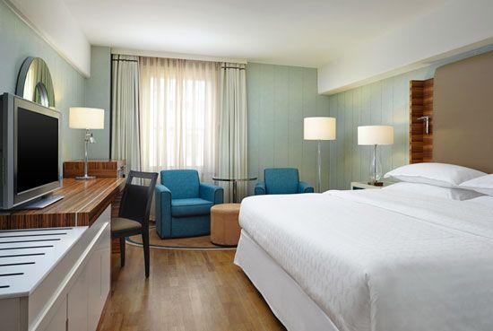Experience tranquility at the Sheraton Stockholm Hotel with one of our fabulous Classic Rooms.  http://www.sheratonstockholm.com/en/rooms/classicrooms